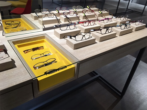 Mobilier magasin lunettes